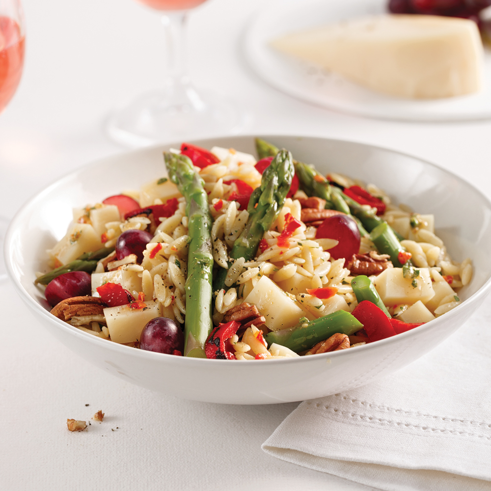 Salade d'orzo aux asperges et fromage