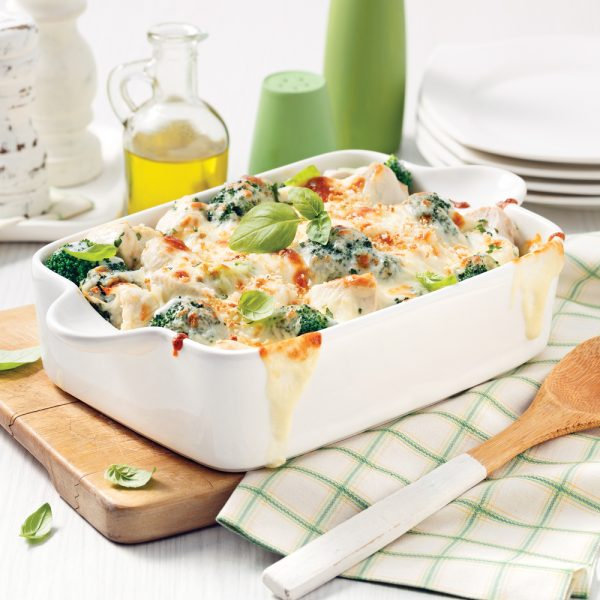 Casserole de brocoli et poulet au parmesan