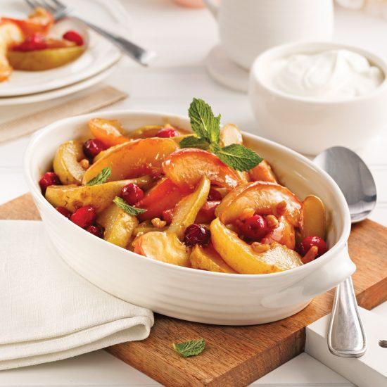 Mélange de fruits cuits au four
