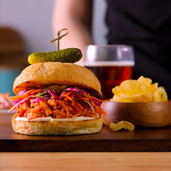 Burger végé de style porc effiloché