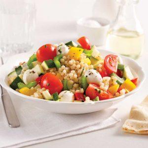 Salade de couscous israélien grillé
