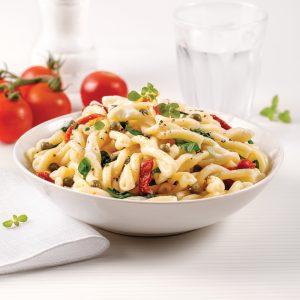 One pot pasta gemellis, tomates séchées et épinards