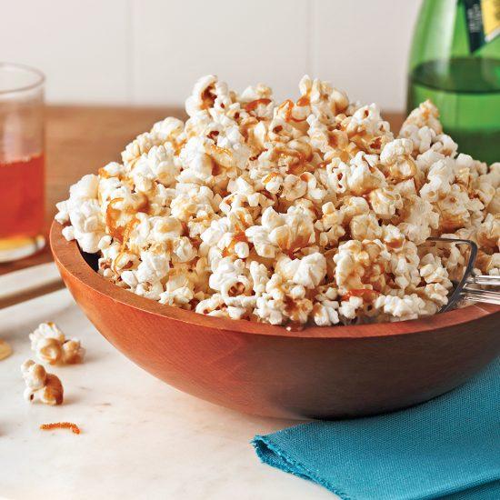 Popcorn au miel, cardamome et zestes d'orange