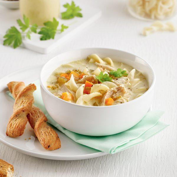 Soupe au poulet et nouilles