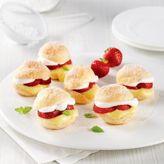 Choux à la crème aux fraises