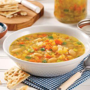 Soupe-repas aux légumes et légumineuses