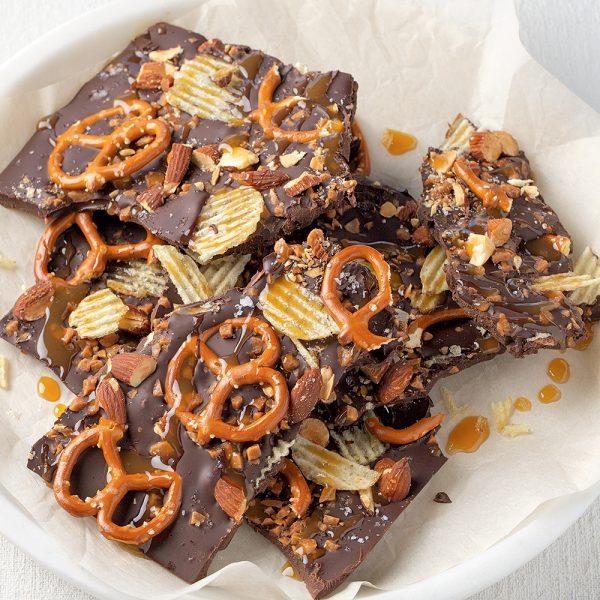 Éclats de chocolat aux bretzels et chips