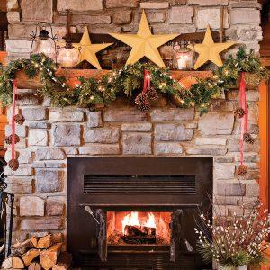 Décoration du manteau de foyer pour Noël