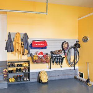 Un vestibule dans le garage