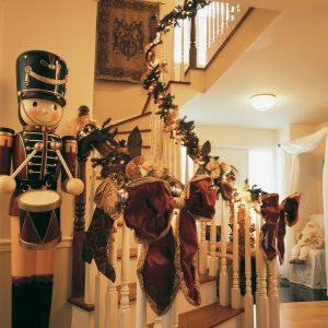Un escalier illuminé pour Noël