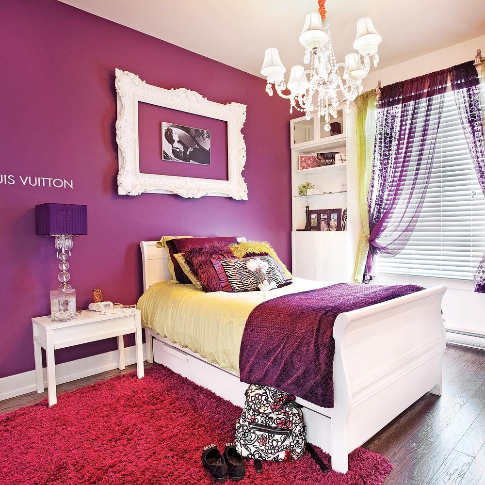 Chambre «glamour» tout en violet - Je Décore