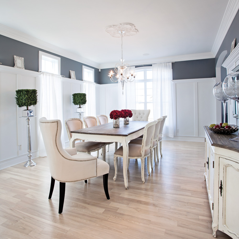 Style Shabby Chic Dans Une Salle A Manger Spacieuse Je