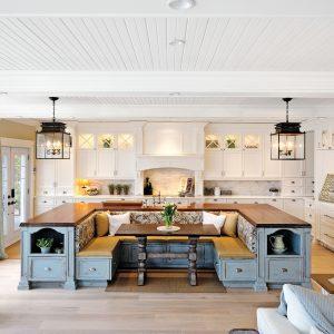Esprit Cape Cod et convivialité dans la cuisine