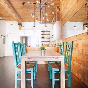 Une cuisine au look rustique, chic et urbain