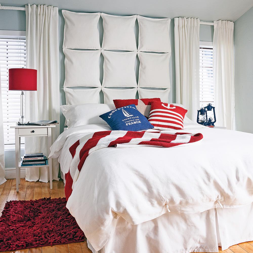 En étapes: une tête de lit en coussins