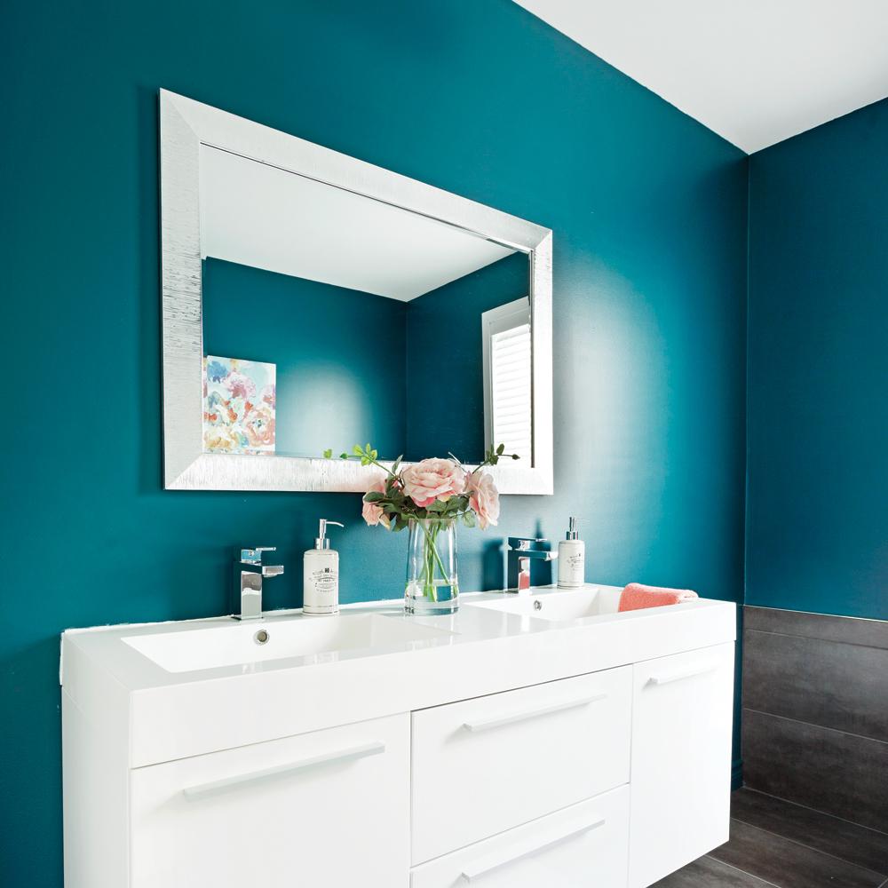 Couleur eau profonde pour la salle de bain je d core - Peinture anti humidite pour salle de bain ...