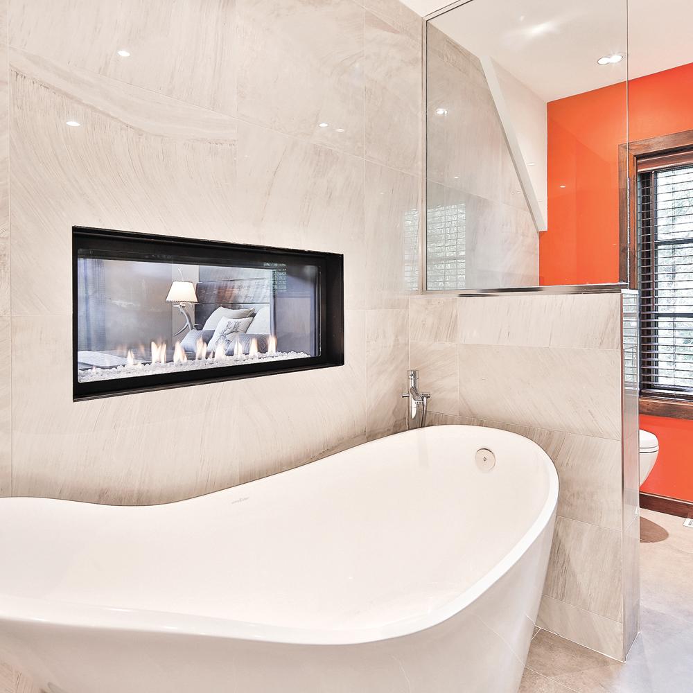 Duo feu et eau dans la salle de bain