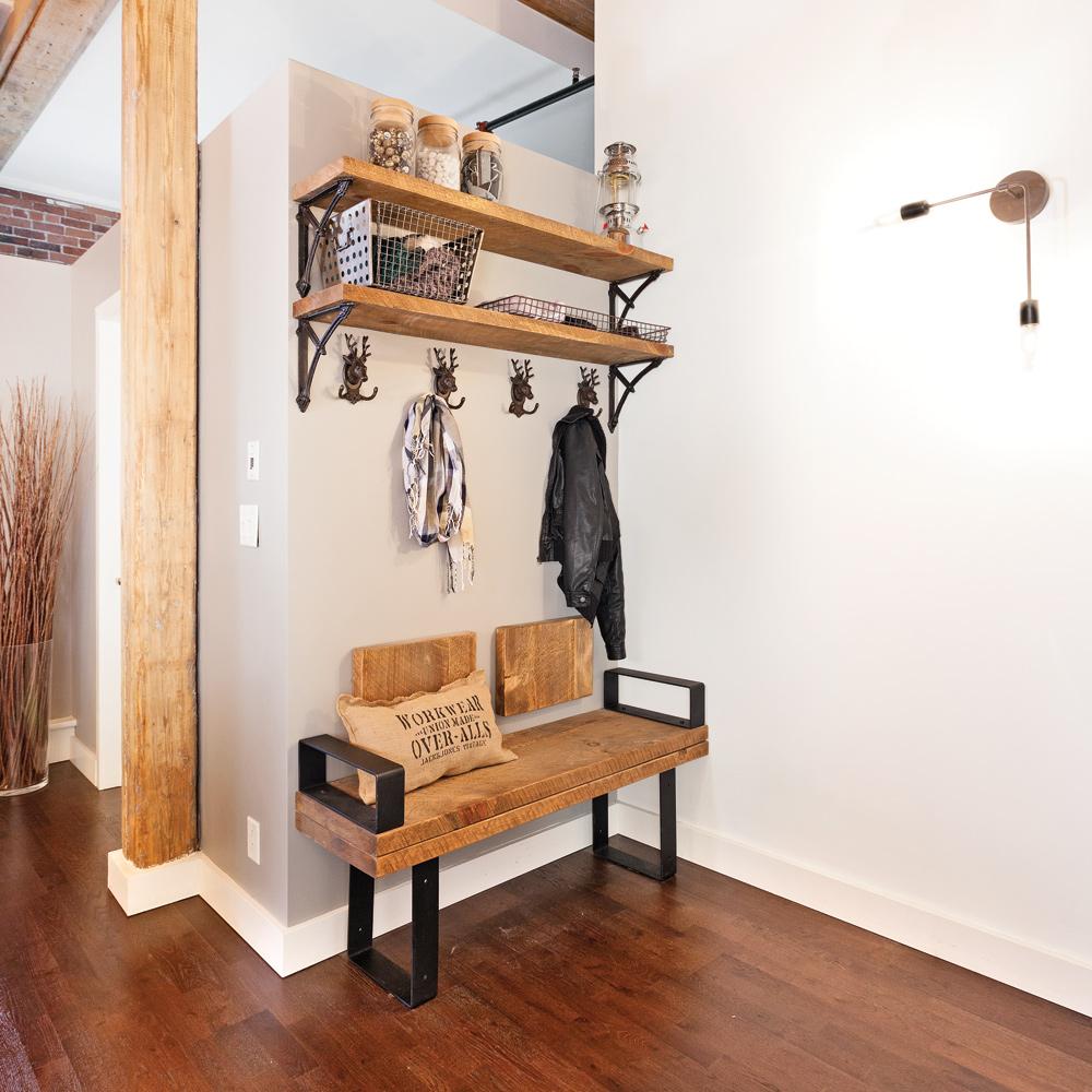 Simplicité rustique pour le hall d'entrée