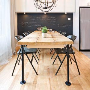 En étapes: une table de style industriel