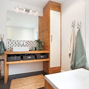 Salle de bain rustique scandinave