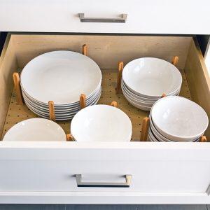 Rangement ajustable pour la vaisselle