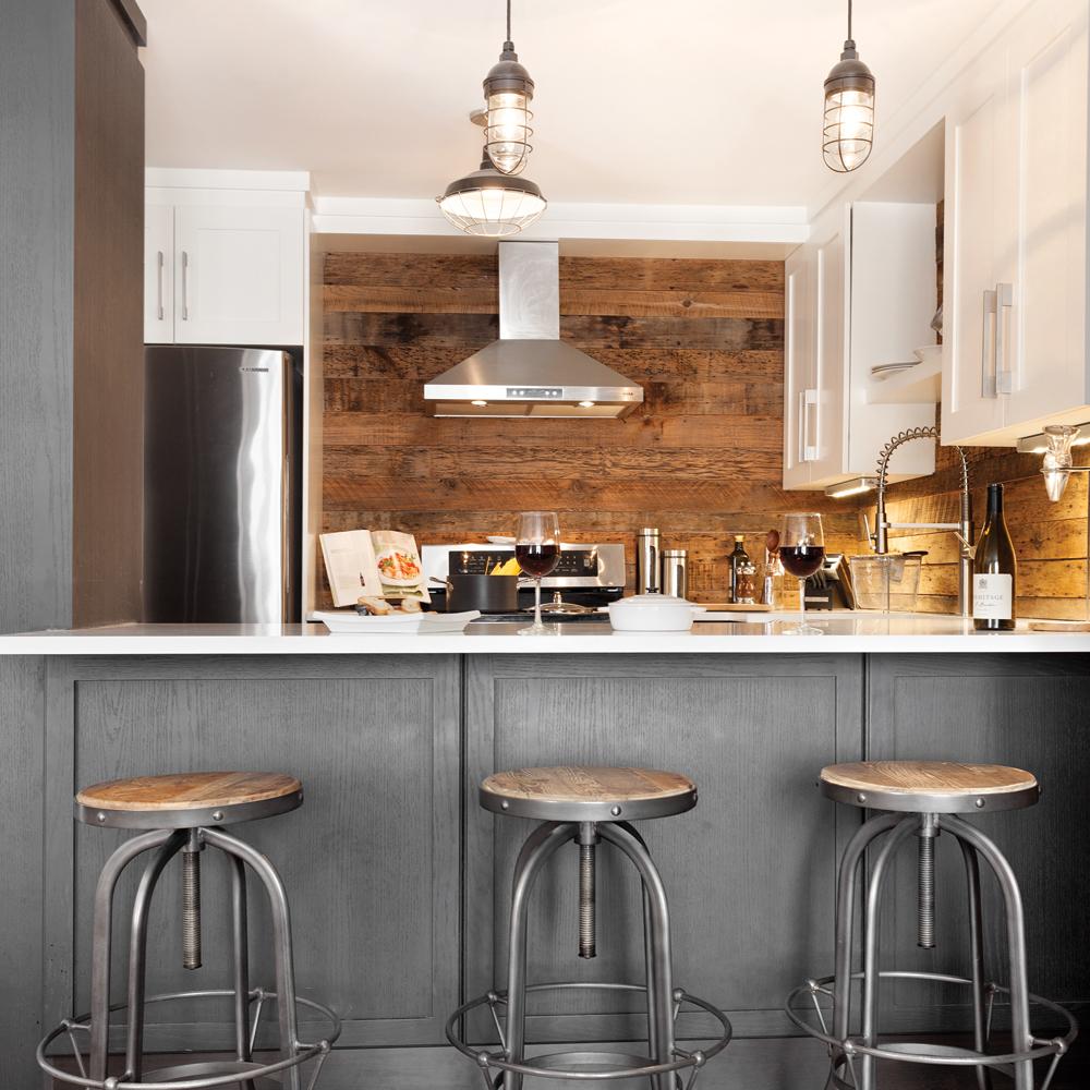 Cuisine de style rustique industriel en bois et en gris