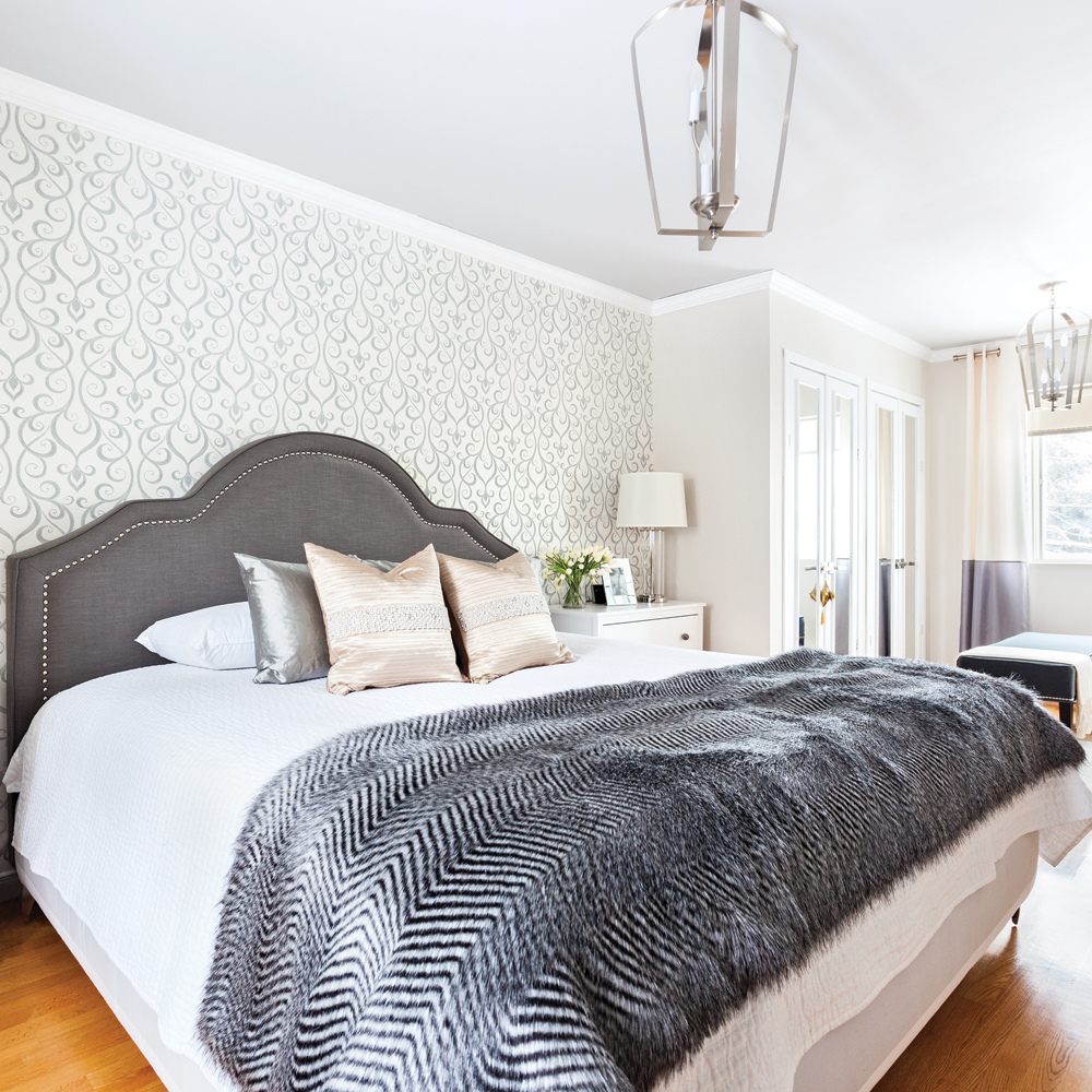 Une chambre aux penderies raffinées