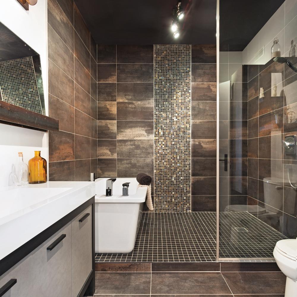 Ambiance métallique à la salle de bain