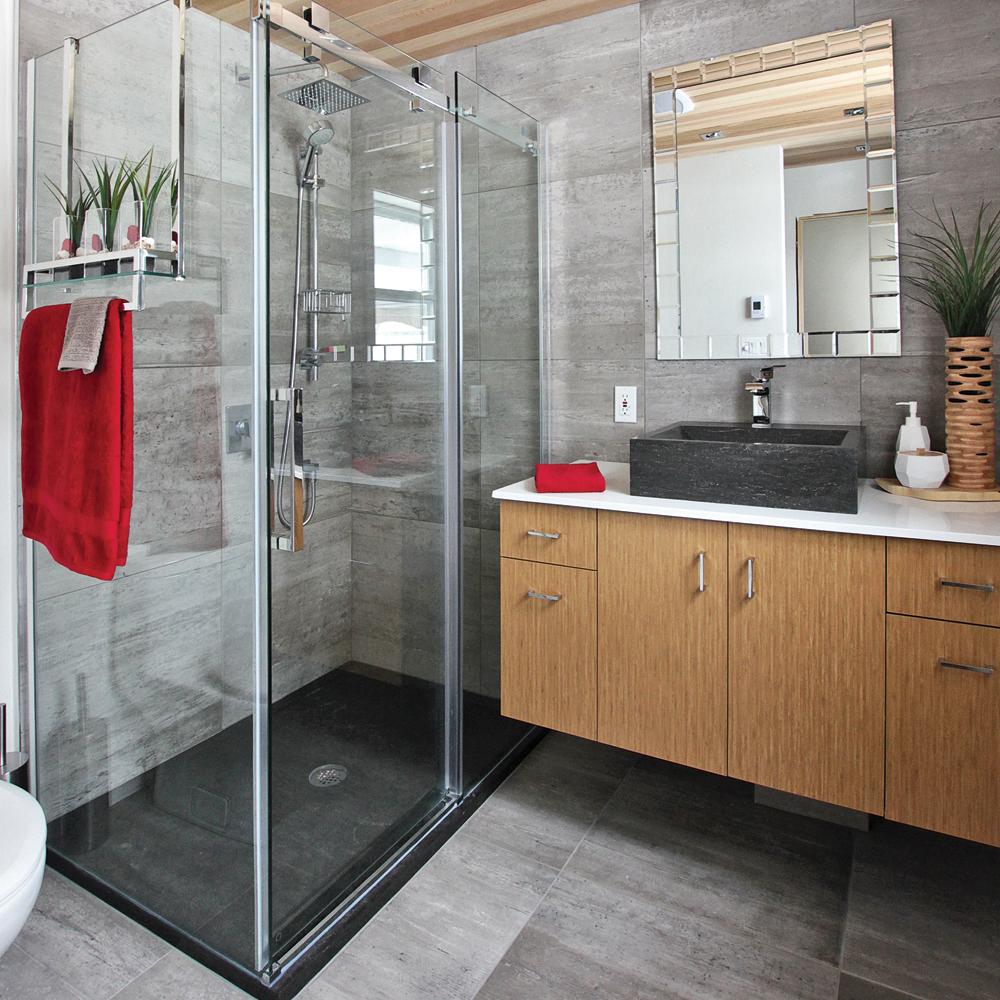 Des matériaux bruts pour la salle de bain