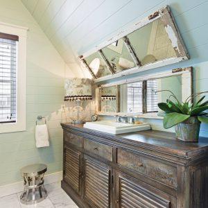 Meuble-lavabo de style «lake house»