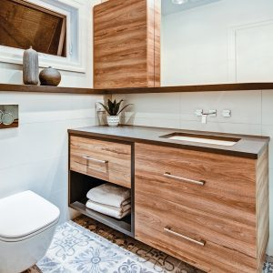 Salle de bain: céramique à motifs venus d'ailleurs