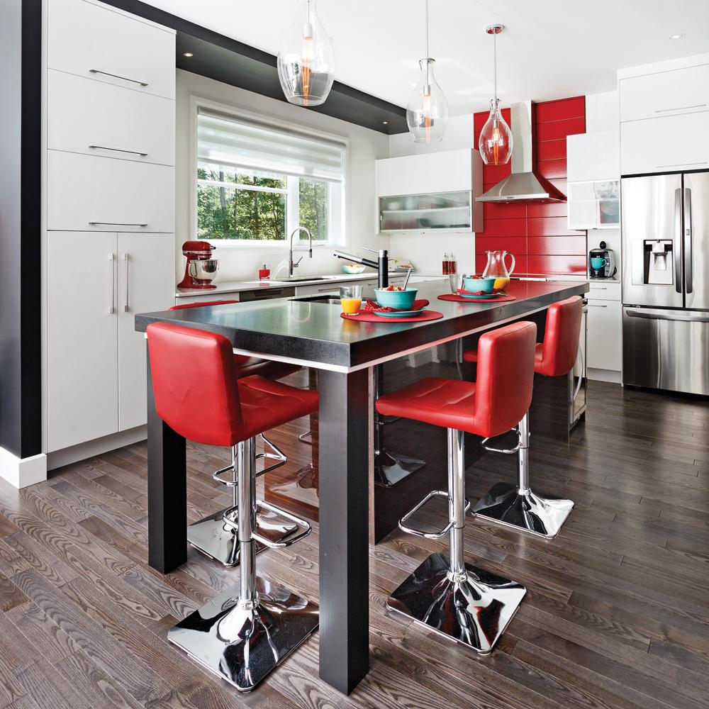 Une cuisine épurée et pimpante