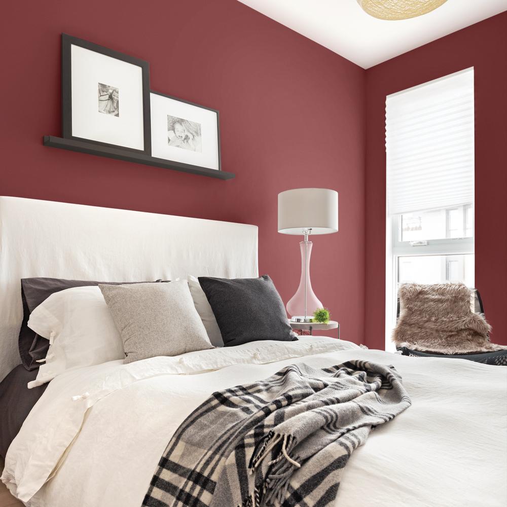 Peinture: un rouge raffiné pour la chambre - Je Décore