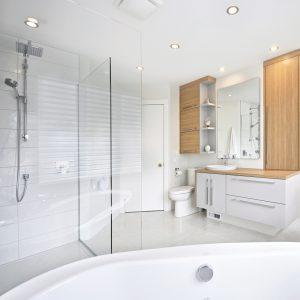Salle de bain chic et simplissime