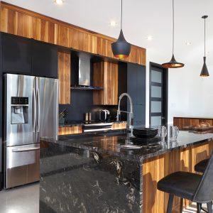 Cuisine moderne noir mat et bois