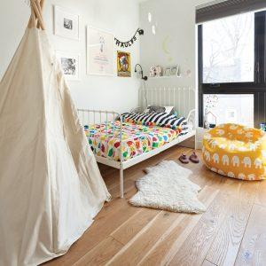 Chambre d'enfant apaisante et colorée