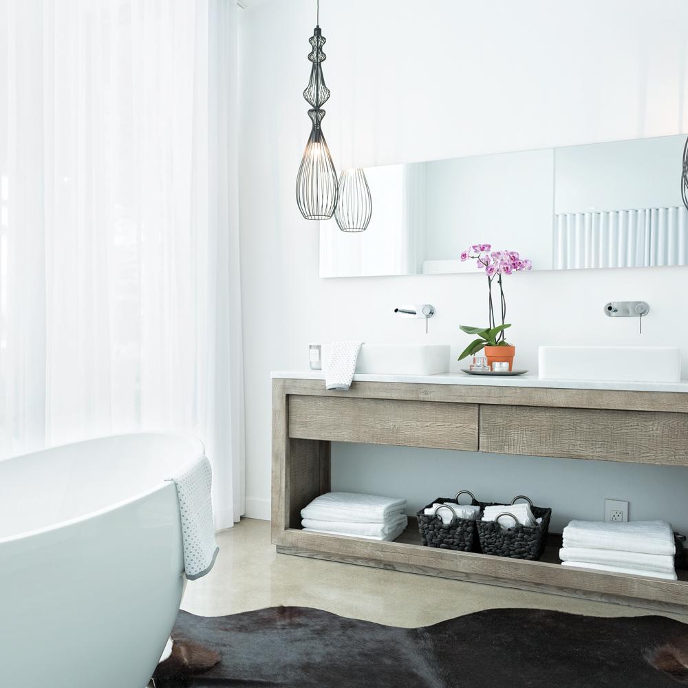Salle de bain fonctionnelle et immacul e je d core - Je decore salle de bain ...