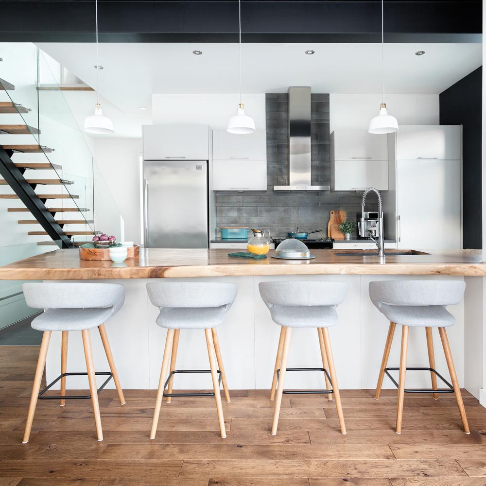 audacieuse cuisine noire et blanche je d core. Black Bedroom Furniture Sets. Home Design Ideas
