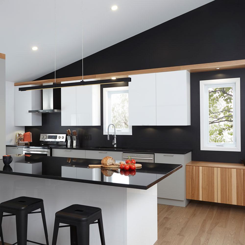 Accents de noir et graphisme moderne pour donner du style la cuisine je d core - Cuisine a donner ...