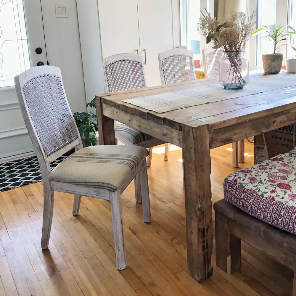 DIY: Transformation de chaises de cuisine pour adopter un style farmhouse