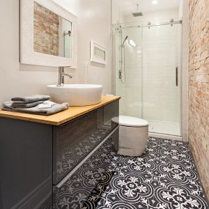 Céramique à motif pour le plancher de la salle de bain
