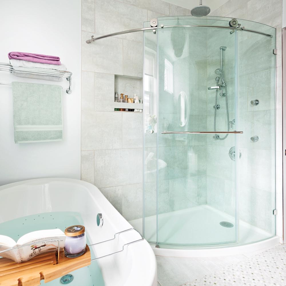 Splendide salle de bain aux accents de bois