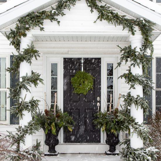 Branchages décoratifs pour décorer l'entrée de la maison