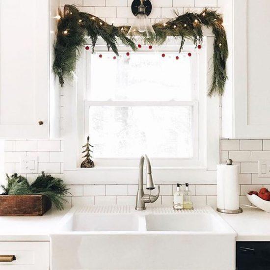 Décoration de Noël rustique pour la fenêtre