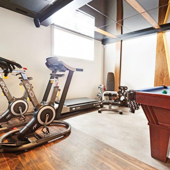 Coin-gym motivant au sous-sol