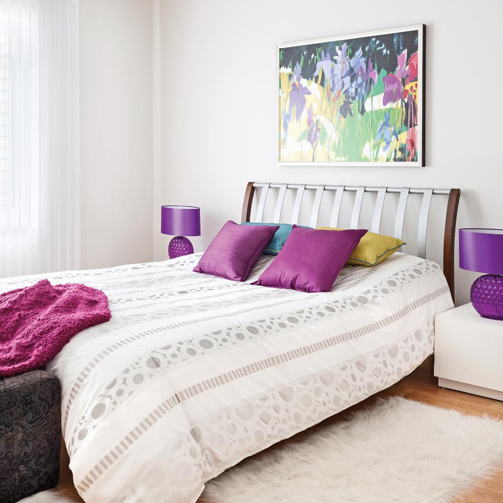Choisir une couleur d'accent punchée pour la chambre à coucher