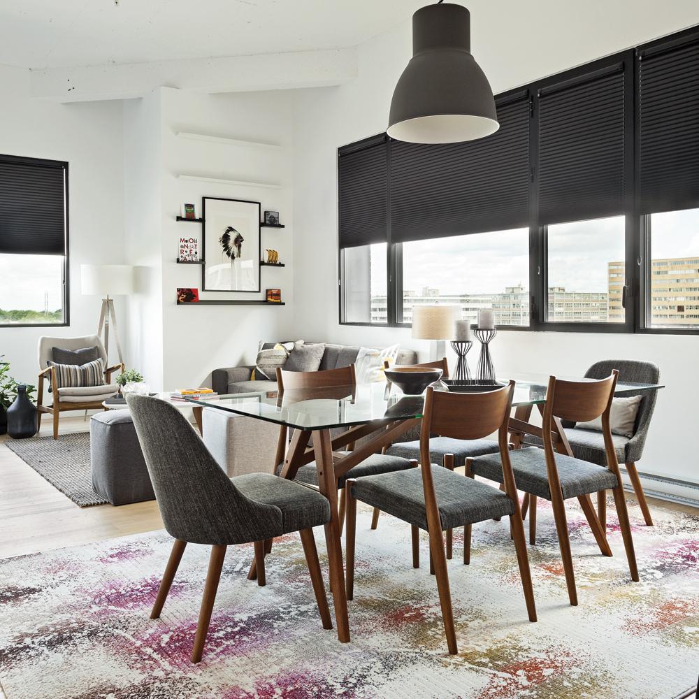Truc de pro pour bien placer le tapis dans le salon, la chambre ou la salle à manger