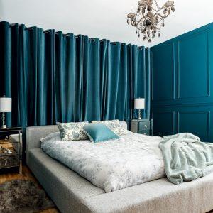 Vague bleue dans la chambre à coucher