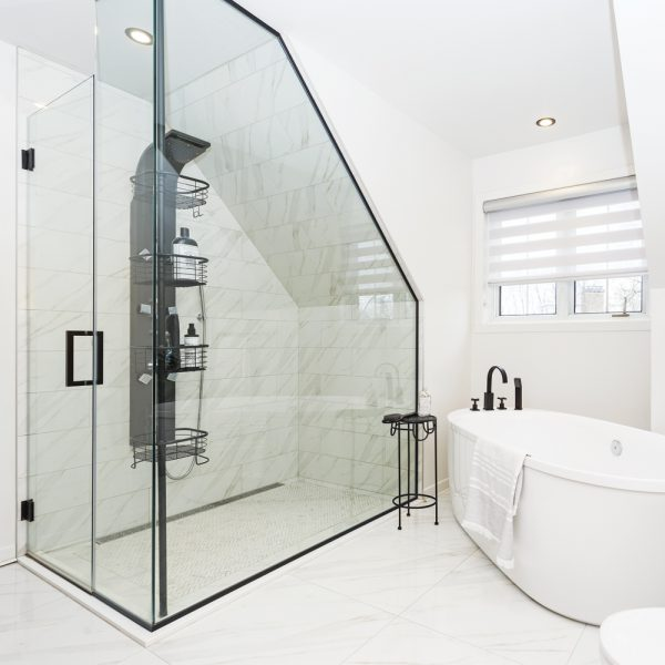 Chic salle de bain en blanc