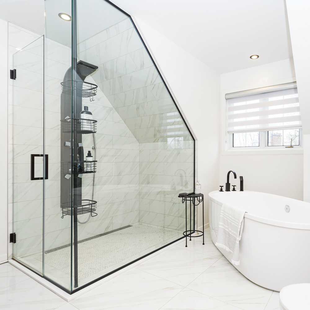 Chic salle de bain en blanc - Je Décore
